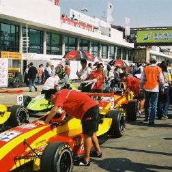 asian-renaults-003_65686218_o