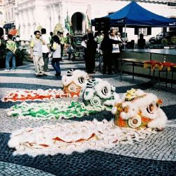 lion-dancers-001_64664821_o