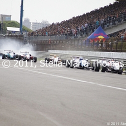 2011-masters-of-f3-start-crash-004_6053965519_o
