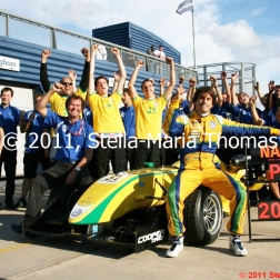 felipe-nasr-and-carlin-019_6121887310_o