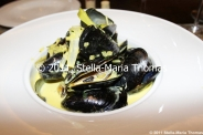 macau-2011---ift-restaurant-mussels-with-leeks-and-cream-010_6351386379_o