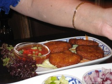 bandai-thai-fish-cakes-005_9396242422_o