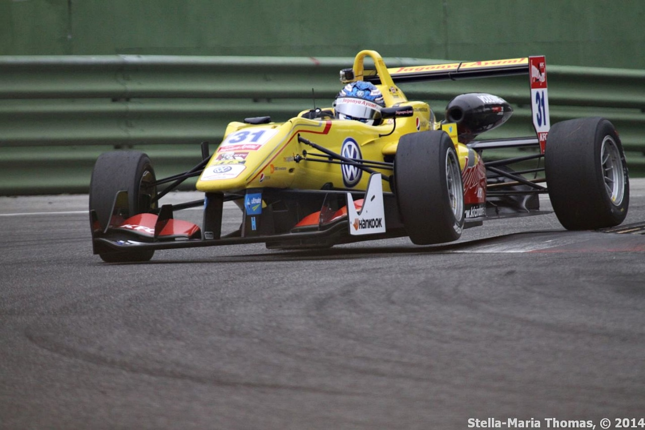 2014 FIA F3 European Championship, Rounds 26-27 – Qualifying Report