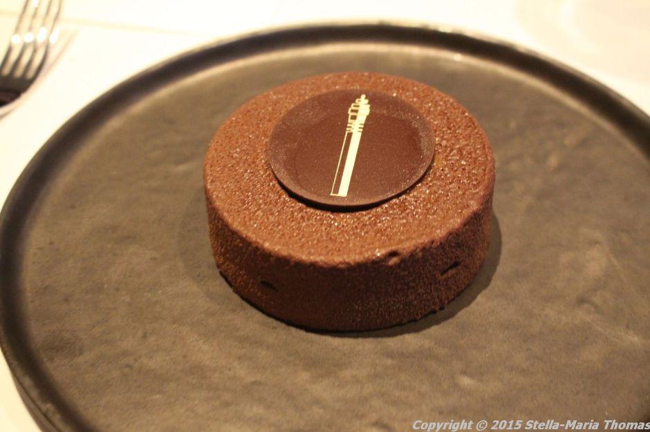 BT TOWER 50TH BIRTHDAY, DARK CHOCOLATE CUSTARD, WHITE CHOCOLATE GANACHE, HAZELNUT, HOT CHOCOLATE SAUCE 031