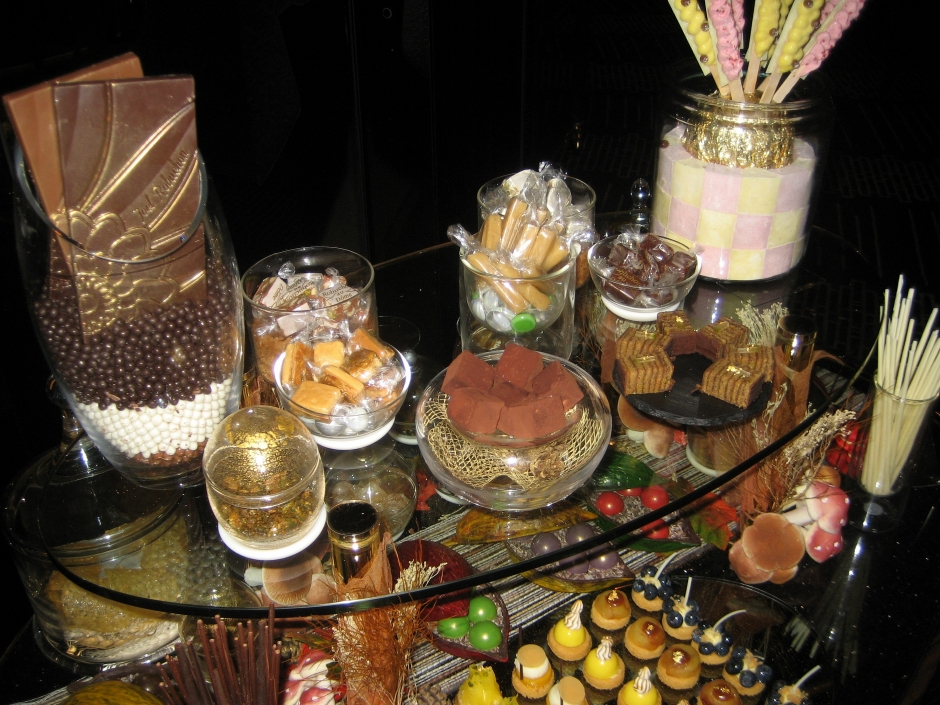 ROBUCHON AU DOME, SWEET TEMPTATIONS 039