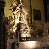 basilica-of-the-holy-blood-bruges-004_23795880715_o
