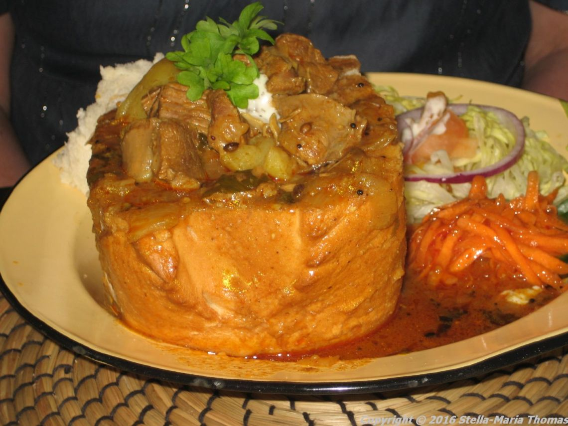 BRAAI SHACK, CHICKEN BUNNY CHOW 006