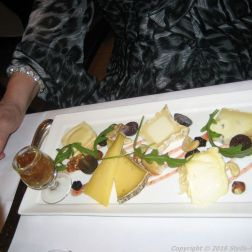 de-florentijnen-farm-cheeses-bruges-biscuit-fig-mousse-012_23167631724_o