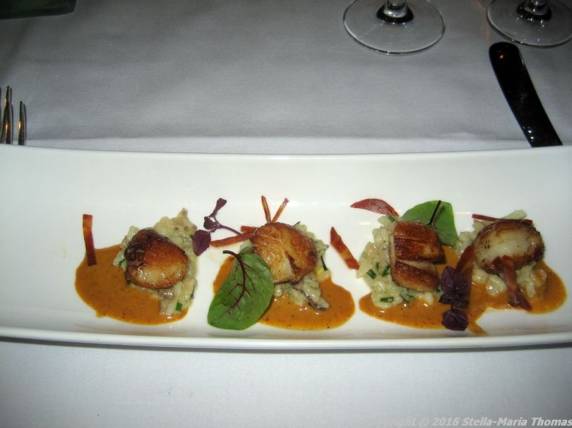 de-florentijnen-scallops-parmesan-risotto-green-herbs-chorizo-005_23713336641_o