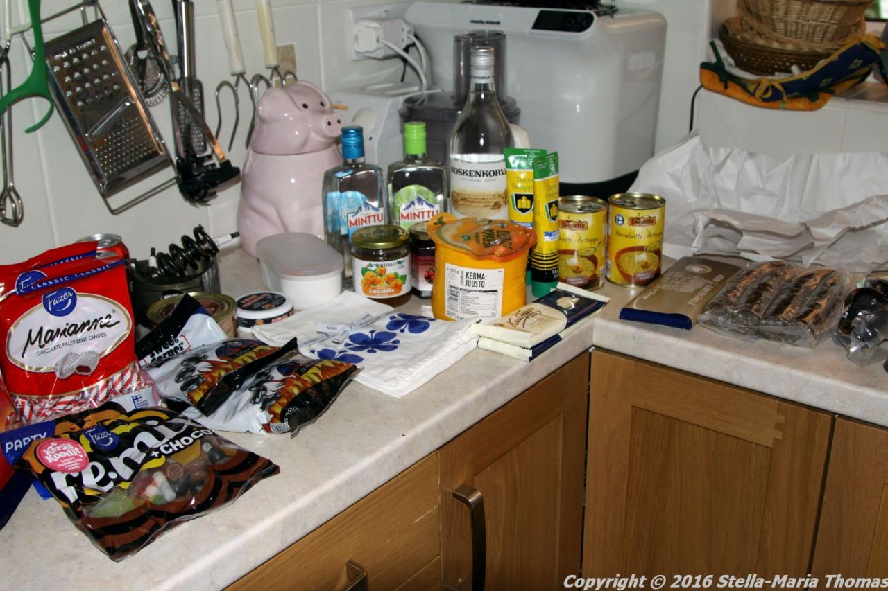 GOODIES AND SOUVENIRS FROM FINLAND AND BELGIUM 006