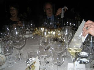 LE GAVROCHE, TABLE 001