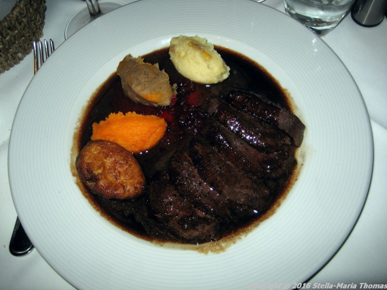 lestrille-du-vieux-bruxelles-venison-with-hunters-mousses-009_23427928909_o