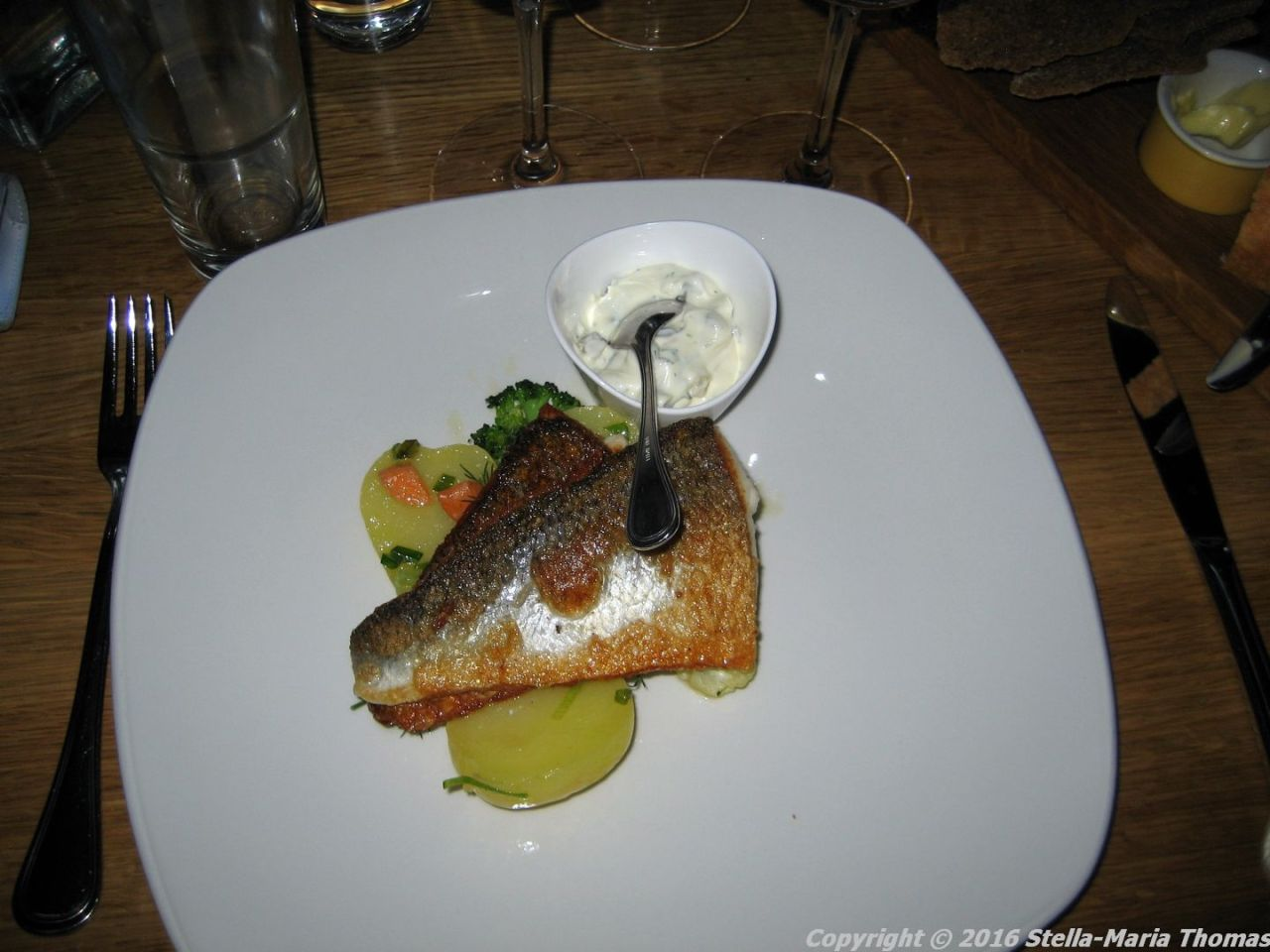 MAMI, TURKU, FRIED FRESH FISH WITH SAUCE REMOULADE 006