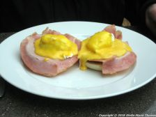 searcys-champagne-bar-eggs-benedict-009_23795773905_o