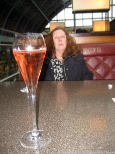 searcys-champagne-bar-rose-champagne-011_23167637604_o