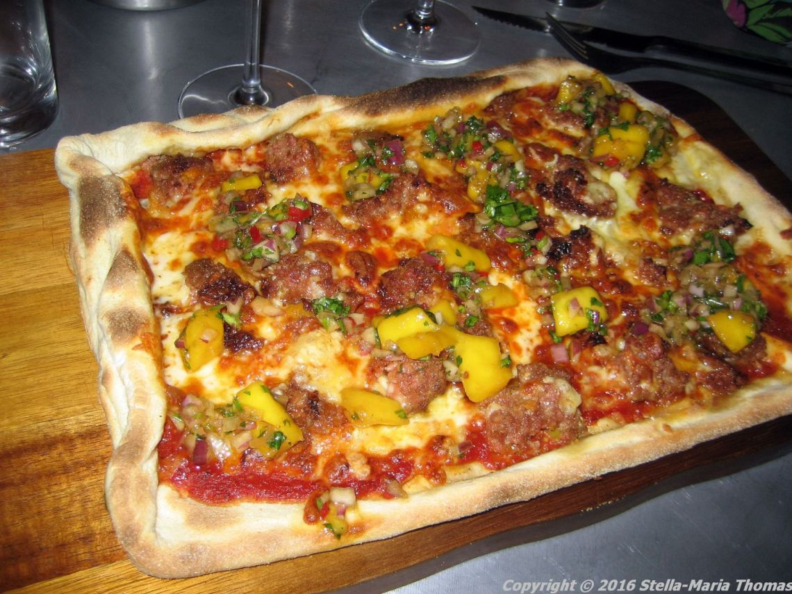 camerons-kitchen-september-2016-lamb-pizza-007