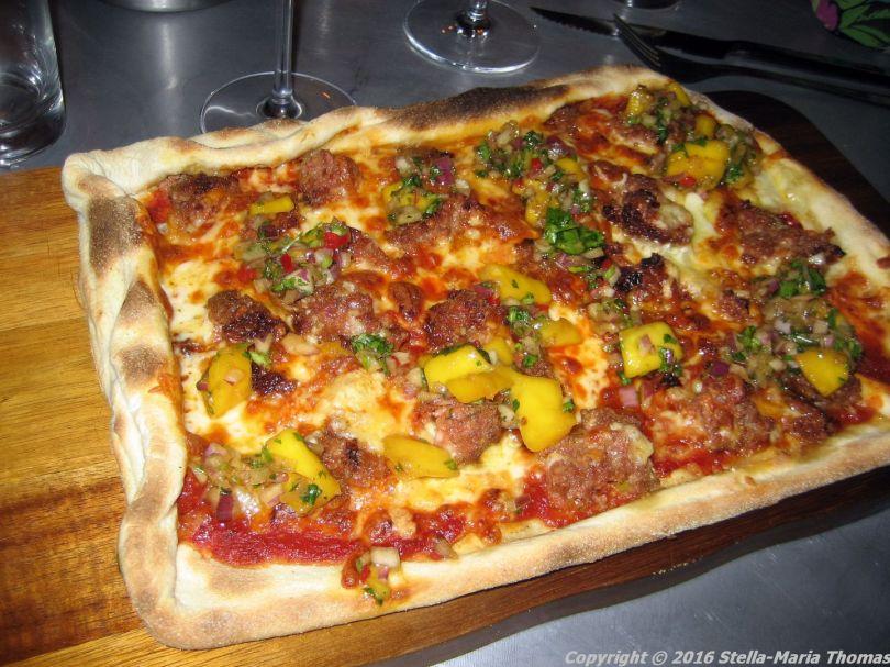 camerons-kitchen-september-2016-lamb-pizza-007