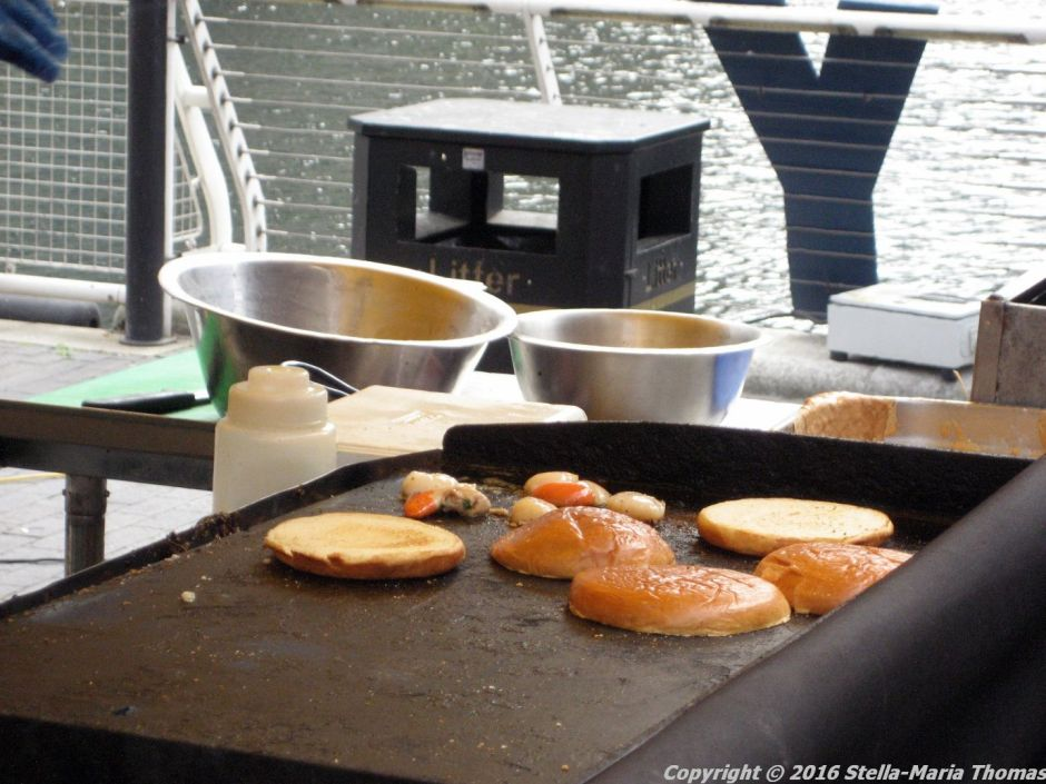 crabbieshack-deep-fried-soft-shell-crab-burger-004