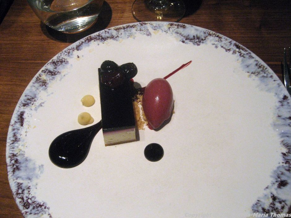 lautre-pied-blueberry-and-lemon-cheesecake-with-blueberry-yogurt-sorbet-011