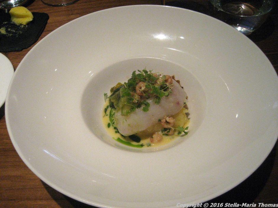 lautre-pied-poached-cod-brown-shrimp-butter-lettuce-sourdough-crumbs-004