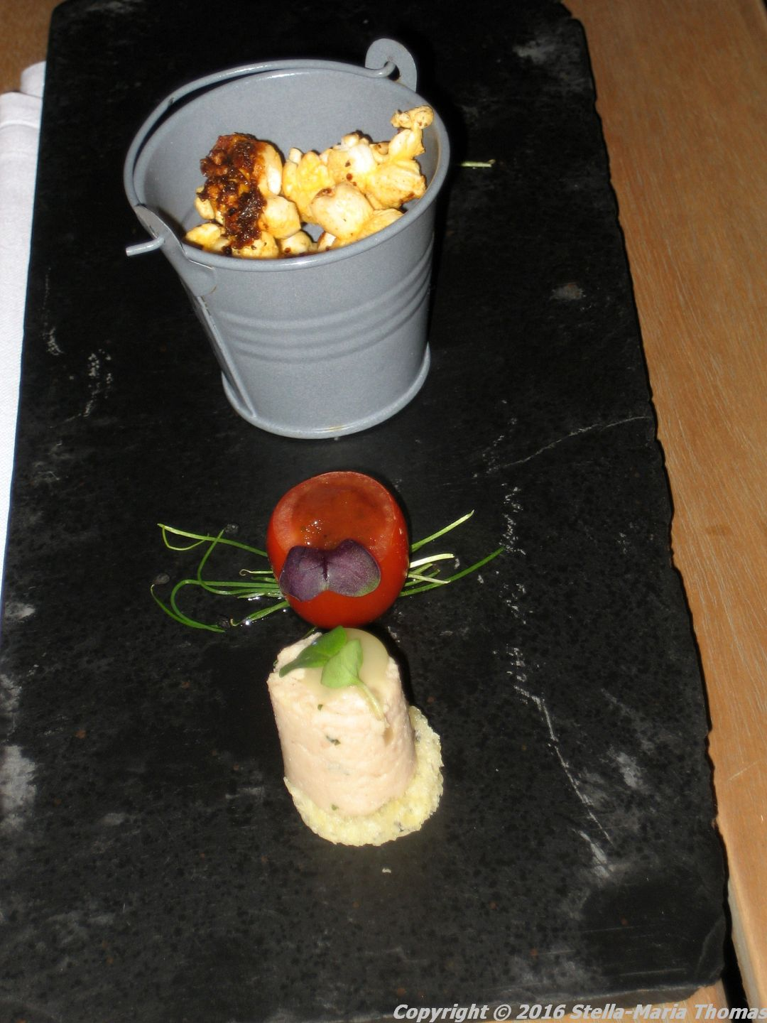 MURRAYS, CANAPES 001