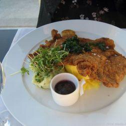 dachgarten-restaurant-reichstag-breaded-veal-schnitzel-potato-leek-salad-roasted-la-ratte-potatoes-wild-cranberries-berlin-007