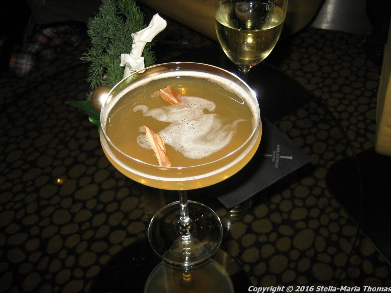 fernsehturm-bar-203-salted-caramel-martini-berlin-001