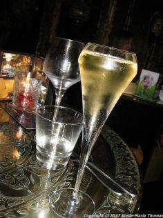 crazy-bear-stadhampton-champagne-008