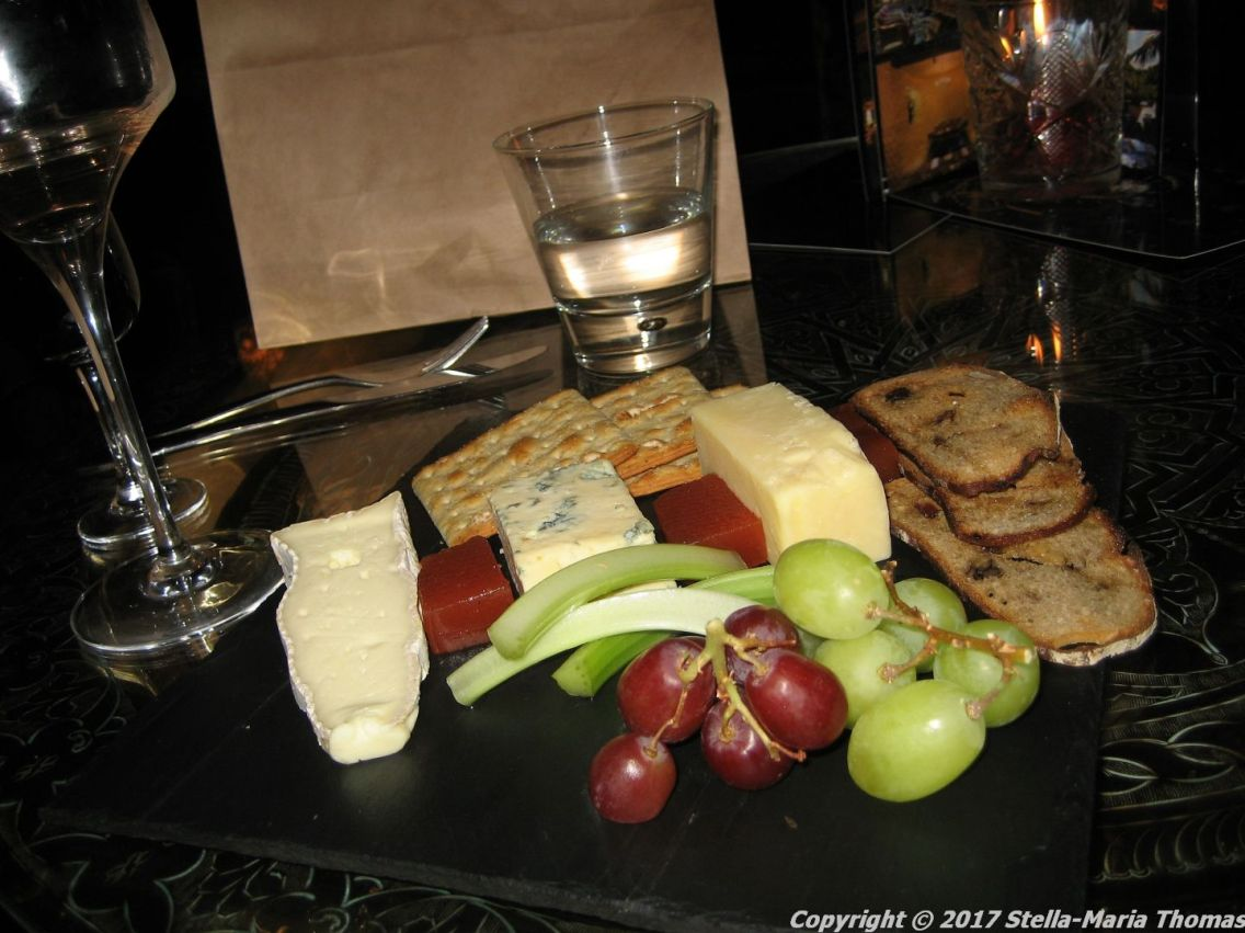 crazy-bear-stadhampton-cheese-board-009