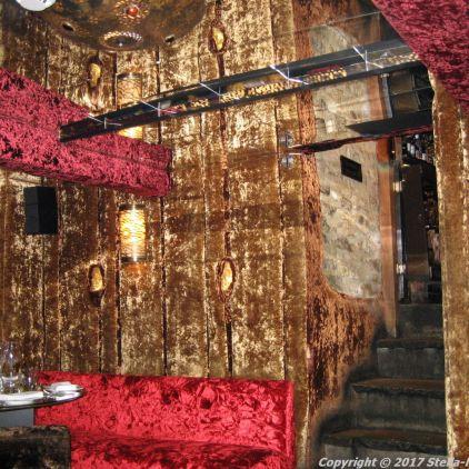 crazy-bear-stadhampton-thai-restaurant-002
