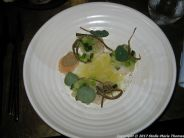 uformel-scallops-with-pickled-greem-strawberries-and-olive-oil-004