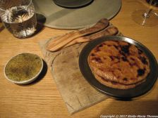 kadeau-roasted-bread-herb-butter-infused-with-cherry-wood-embers-017