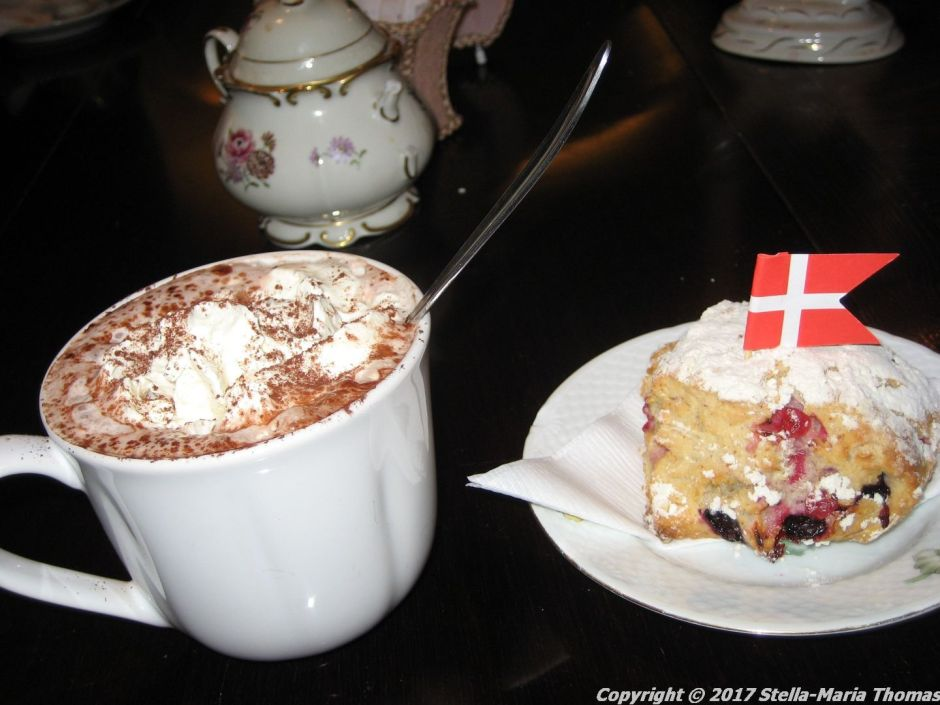cafe-marmor-scone-and-hot-chocolate-002