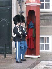 changing-the-guard-at-amalienborg-006