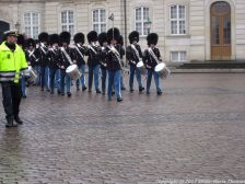 changing-the-guard-at-amalienborg-010