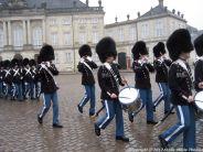 changing-the-guard-at-amalienborg-014