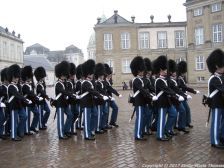 changing-the-guard-at-amalienborg-016