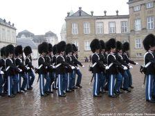 changing-the-guard-at-amalienborg-016