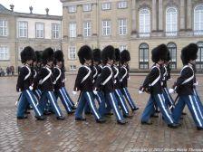 changing-the-guard-at-amalienborg-017