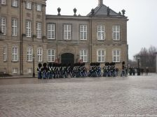 changing-the-guard-at-amalienborg-019
