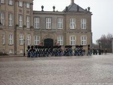 changing-the-guard-at-amalienborg-019