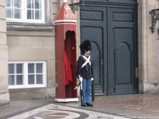 changing-the-guard-at-amalienborg-020