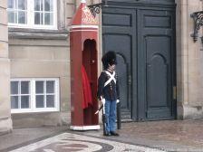 changing-the-guard-at-amalienborg-020
