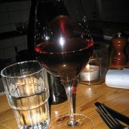 gorilla-red-wine-003