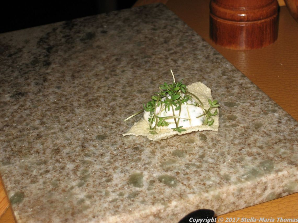 kanalen-shrimp-on-poppadom-001