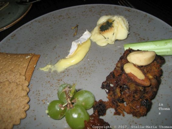 1884 DOCK STREET KITCHEN, CHEESE, BISCUITS AND FRUIT BREAD 022