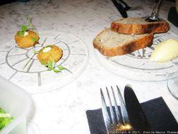 BUCKINGHAM, NELSON STREET, FISH CAKES, SOURDOUGH BREAD AND FRESH BUTTER 003