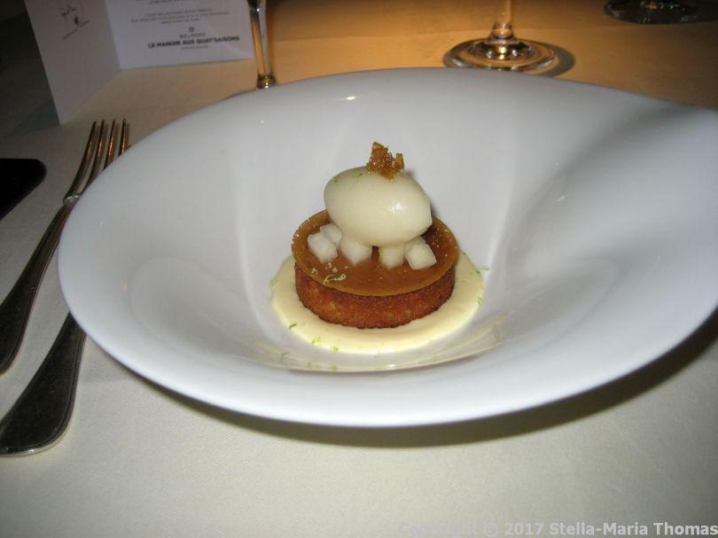 le-manoir-aux-quatsaisons---amandine-de-poire-du-moment-croustillant-caramel-sauce-gingembre-et-son-sorbet-016_37007668904_o