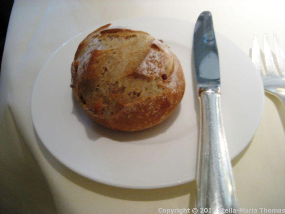 le-manoir-aux-quatsaisons---bread-003_37007045954_o