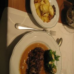 BAUER'S RESTAURANT - DUCK BREAST WITH RAISINS AND BROCOLLI, POTATO GRATIN 006